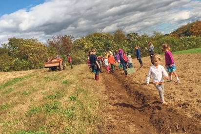 kids at red earth farm